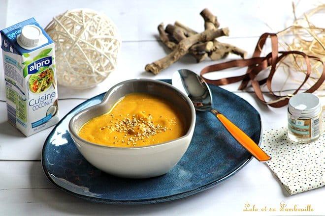 soupe aux carottes,soupe aux carottes curry,soupe aux carottes recette,recette soupe aux carottes et lait de coco,recette soupe aux carottes facile,recette soupe aux carottes,recette soupe aux carottes au curcuma,recette soupe aux carottes et gingembre