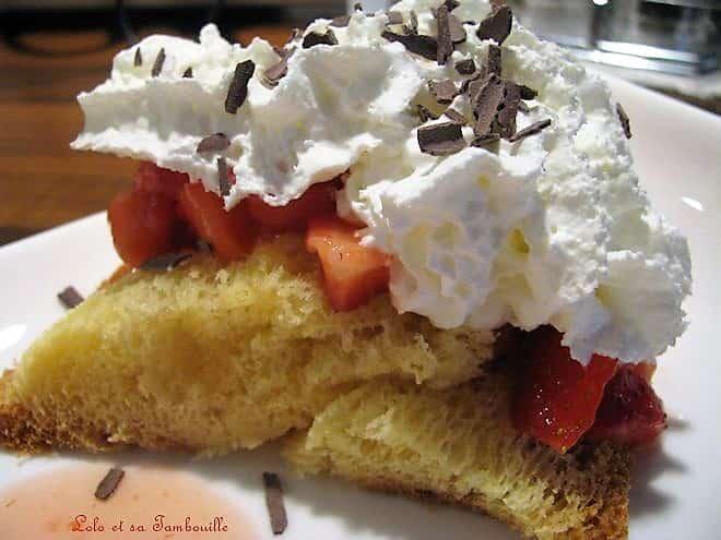 Pandoro aux fraises & chantilly