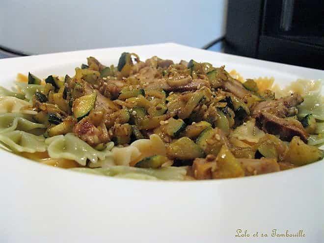 Pâtes aux courgettes & poulet rôti au curry et sésame