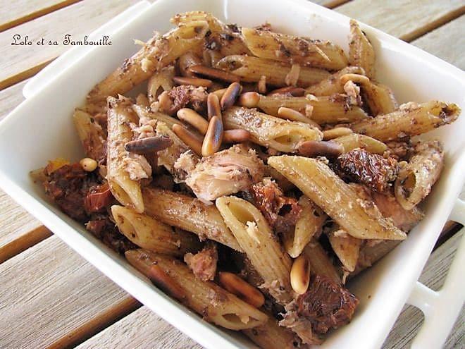 Pâtes au thon, tomates séchées & olivade noire au piment d'espelette