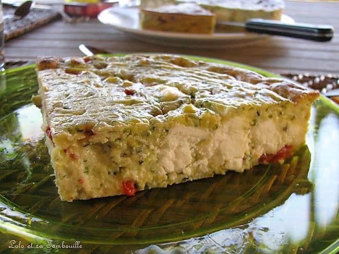 Clafoutis de courgettes au poivron, feta & éclats de pistaches