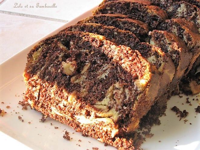Cake tigré au chocolat & amandes effilées