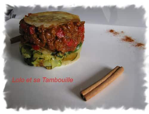 Mille-feuille de boeuf haché au tandoori de tomate, amandes & paprika