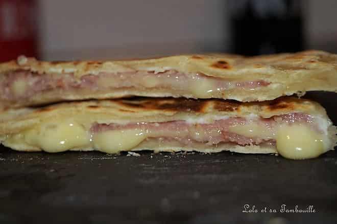 Naans au bacon et gouda
