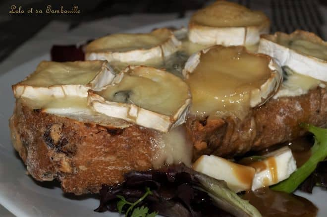 Tartines aux trois fromages