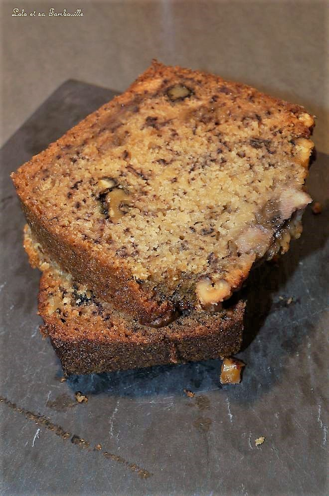 Cake à la banane, noix & babeurre