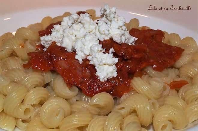 Pâtes à la sauce tomate