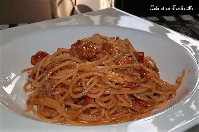 Spaghettis au ketchup, thon & tomates cerises