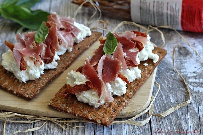 Tartines de chèvre frais & jambon de Bayonne