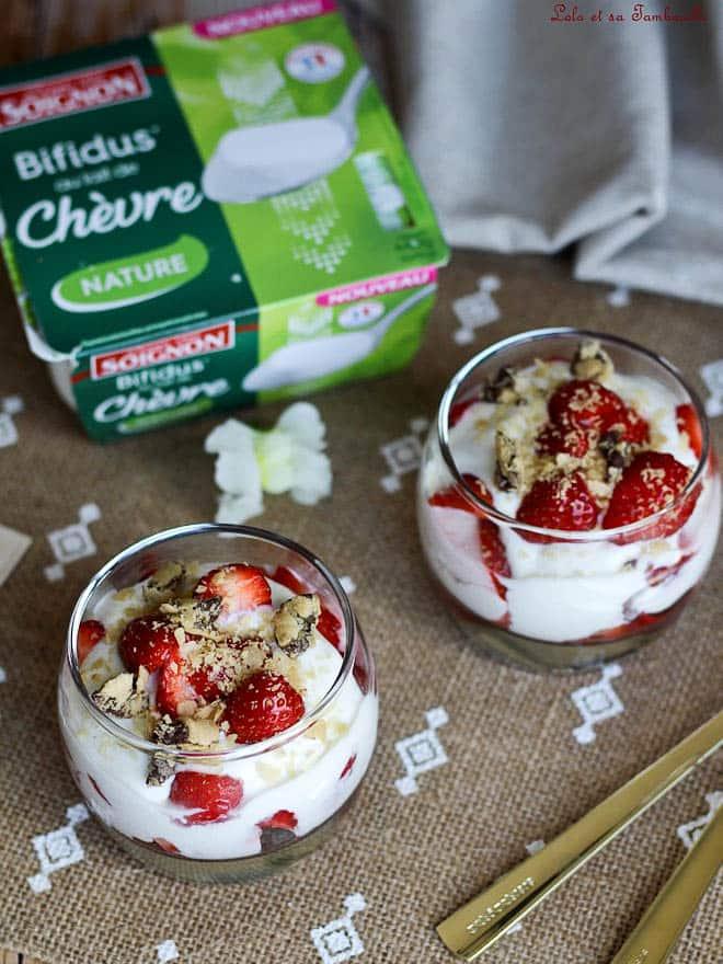 mousse de yaourt, fraises