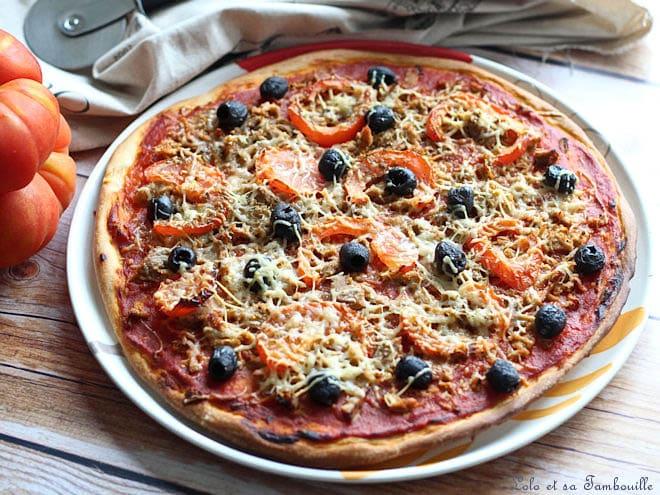 pizza au thon,pizza au thon recette,pizza au thon et à la tomate